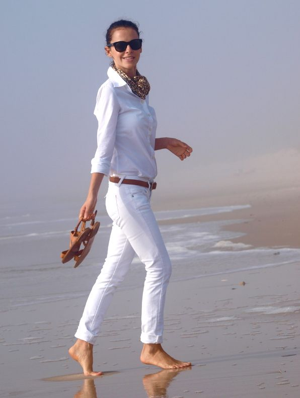 I love the look of white jeans and a crisp white shirt for the summer.