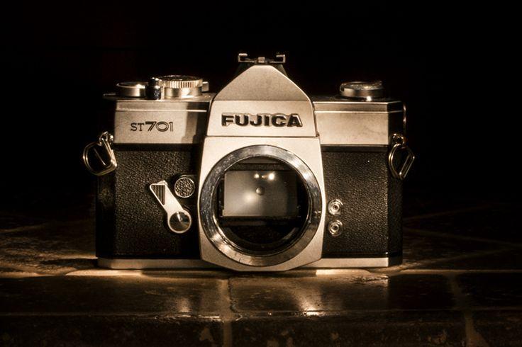 Vinta camera Fujica ST701 | da Alessio Trafeli