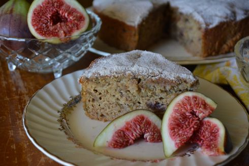 Gluten-free fig, honey and cinnamon tea cake