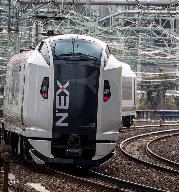 NEX, the Airport Express train on the Tokaido-Line/JR-East, photo by Showa Express