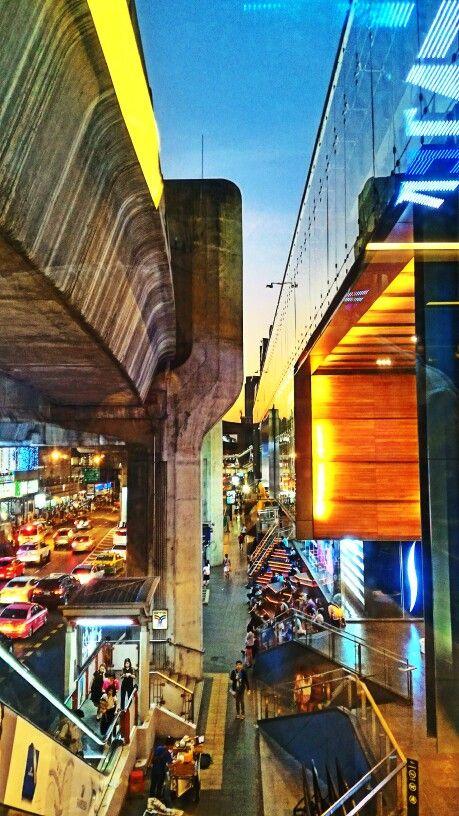 Siam Center (สยามเซ็นเตอร์) ใน ปทุมวัน, กรุงเทพมหานคร