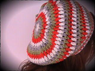 boina a crochet caída hacia atrás