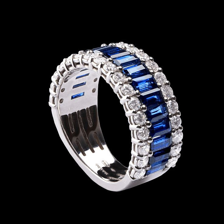 Colorful collection - White gold ring with blue #sapphires baguette cut and white #diamonds brill cut. #lentivillasco