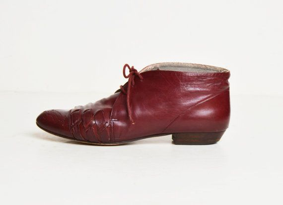Vintage 70s Oxblood Leather Lace Up Boots / 1970s Granny Ankle Boots 8