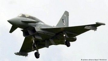 The British fighters have been lifted in air because of the Russian planes