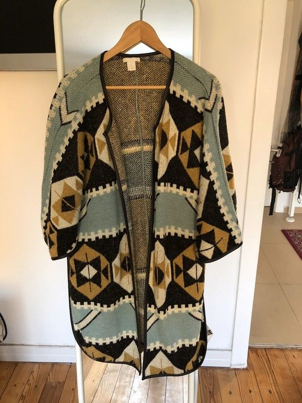 Poncho Bzw Cape Mit Coolem Ethno Muster In 2020 Ethno Muster Poncho Poncho Jacke