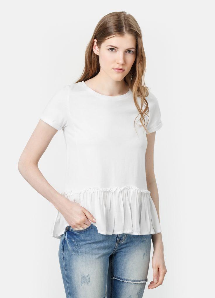 Интернет-магазин одежды O'STIN: Свободная футболка с баской 800