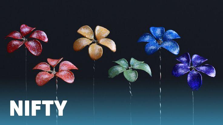 Regenbogen eingetauchte Nagellack-Blumen – nagellack basteln