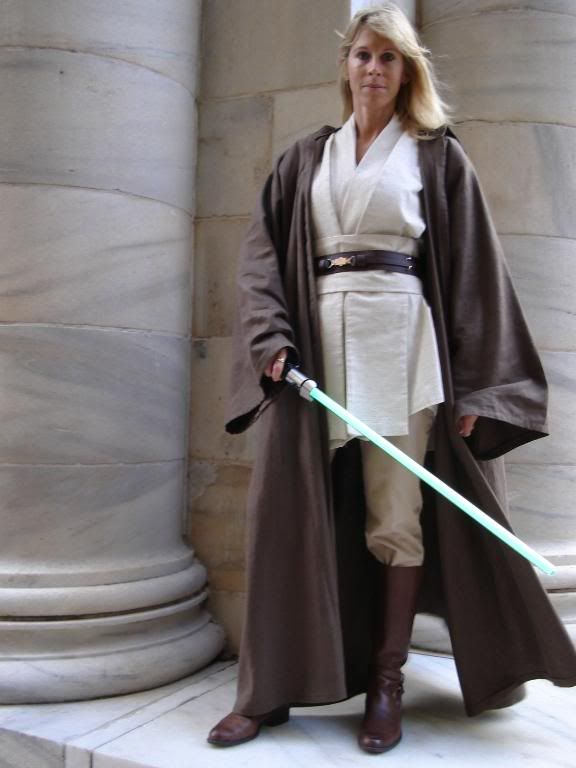 When Ayara was 22, they sent her and Master Rowan on a rescue mission in which many other clones and another Jedi and padawan attempt had failed. Description from role-player.net. I searched for this on bing.com/images