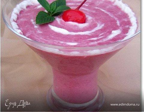 #Рецепт: Вишневый смузи с йогуртом и овсяными хлопьями  Ингредиенты: вишня (замороженная)—150г, овсяные хлопья—1,5 ст. л., йогурт— 5 ст. л., мед, 1,5 ст. л., молоко по вкусу. #готовимдома #едимдома #кулинария #домашняяеда #вишневый #смузи #йогуртовый #овсяныехлопья #полезный #завтрак #вкусно #витамины #мед #детскоеменю #длявсейсемьи #edimdoma #tasty #delicious #instafood  Способ приготовления: 1. Овсяные хлопья заливаем горячим молоком и даем настояться 10—15 минут. 2. Размораживаем…
