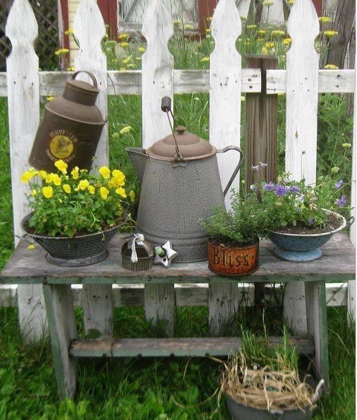 Best Shabby Chic Garden Decor Images On Pinterest Gardendecorationrustic Vintage Garden Decor Rustic Garden Decor Farmhouse Garden