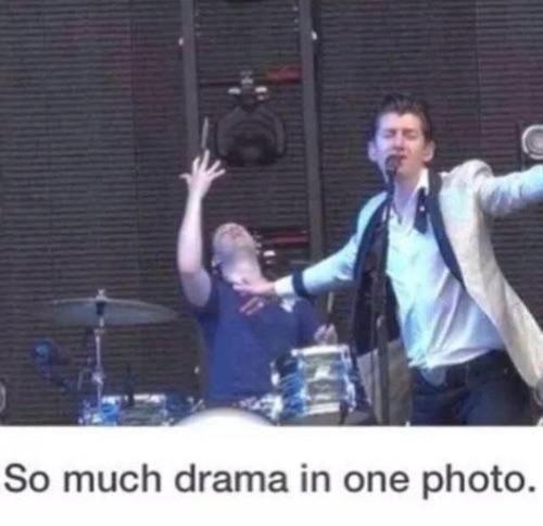 Las drama queens Arctic Monkeys Alex Turner Matt Helders
