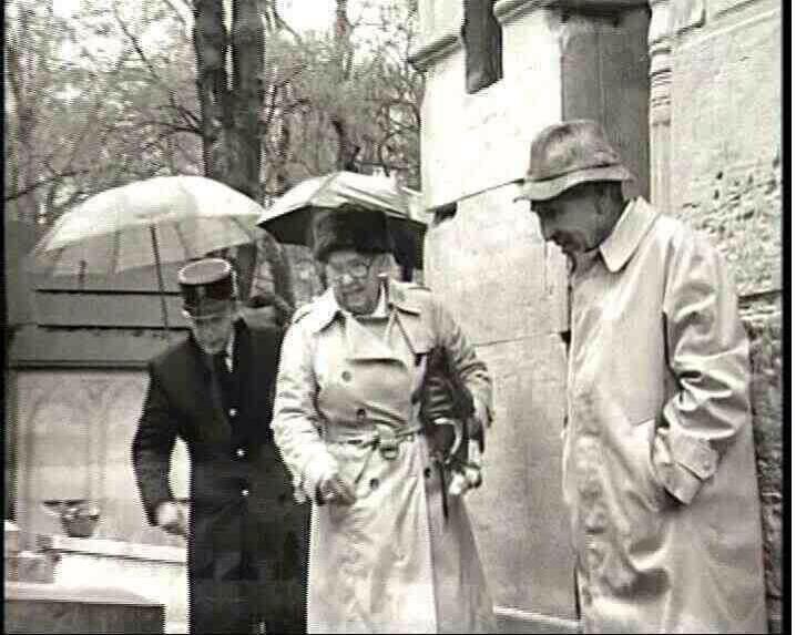"thesoftlyspokenmagicspell: ""Jim Morrisons parents Admiral George Morrison and Klara Morrison visiting his grave in Paris 1993. """