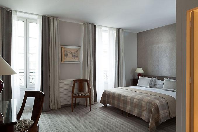 Hotel d'Orsay, a quiet hôtel in paris