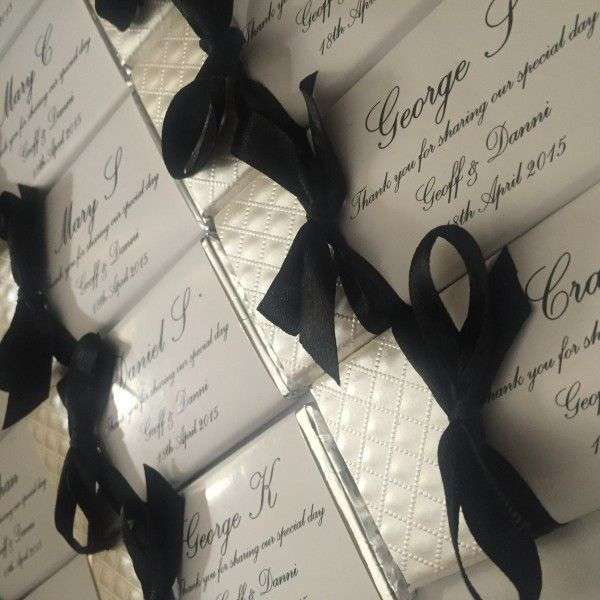 silver_black_ribbon_chocolate_bars_2