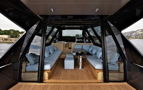 Classy boatride
