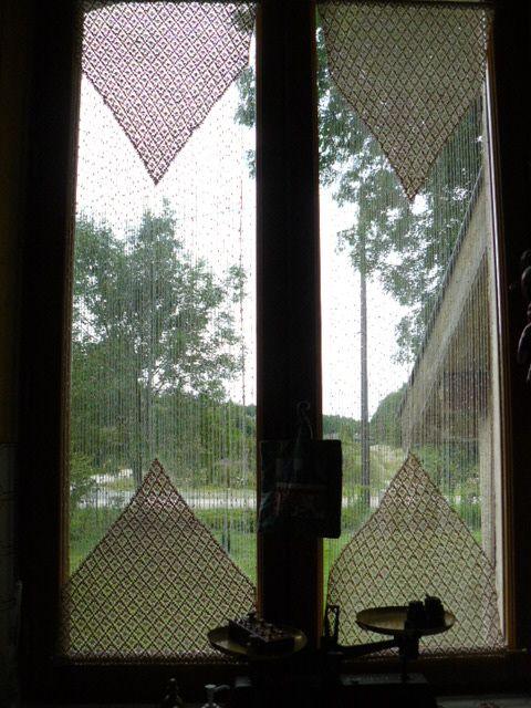 22 best petits rideaux images on pinterest crochet. Black Bedroom Furniture Sets. Home Design Ideas