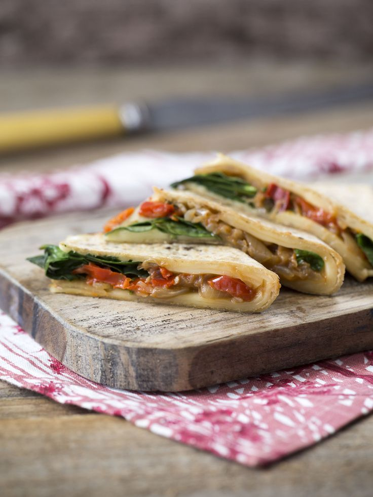 Chilly chutney quesadillas | Thermomix | Vegetarian Kitchen cookbook and recipe chip | p. 62 |