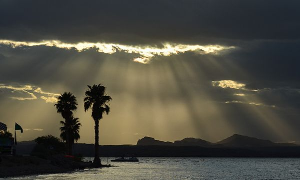 Dramatic Light rays over Lake Havasu, Arizona. #arizona #lakehavasuarizona #lightbeams