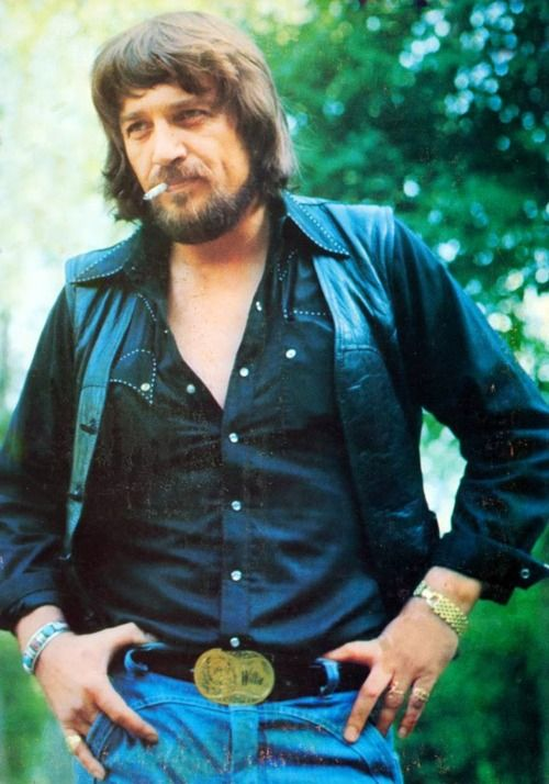 Waylon Jennings....The only daddy that'll walk the line
