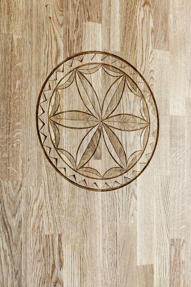 """Drewniane meble w Zakopanem ozdobione rozetą. #furniure #wood """"interiordesigner #projektowaniewnętrz #architektwnetrz #wnetrza #drewniane #meble"""
