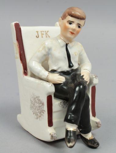 Vintage-1962-Japanese-JFK-President-Kennedy-in-Rocking-Chair-Salt-Pepper-Shakers