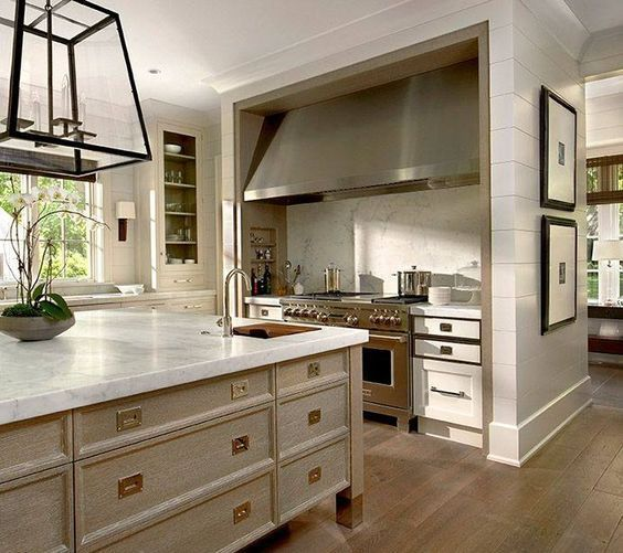 50 Modern Kitchens Are Equipped With Cooking Island: Best 25+ Long Kitchen Ideas On Pinterest