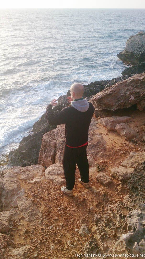 Jochem, early morning ritsuzen at the rock! TheFeel Natural Tuning Ibiza retreats 2015!