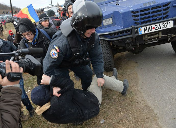Anti-fracking clashes in Romania as activists break into Chevron site (PHOTOS, VIDEO)  http://rt.com/news/chevron-fracking-protest-clashes-884/