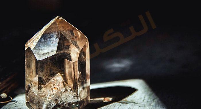 تفسير حلم رؤية البلور في المنام دلالات البلور في الحلم للعزباء والمتزوجة والحامل رمز البلور القديم في المنام Best Healing Crystals Crystals Crystal Therapy