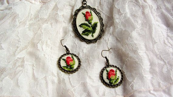 Small red rose earrings, Romantic red rose jewelry, mini rose round dangles cute earrings, pretty rose girl jewelry, Rustic dangles Gift