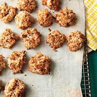 Coconut-Almond Macaroons: Almonds, Recipe, Food, Coconut Almond Macaroons, Sweet Tooth, Cooking, Dessert, Almond Cookies