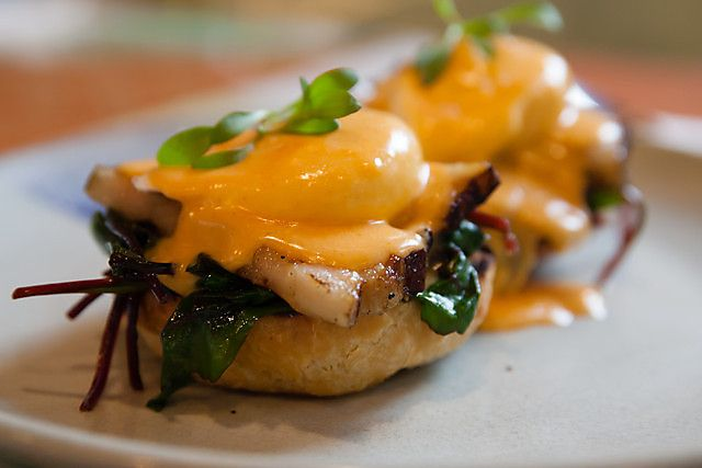 Sri Ra Cha Egg Benedict at Mr. Nice Guy in Melbourne. #eggsbenedict #breakfast #eggs