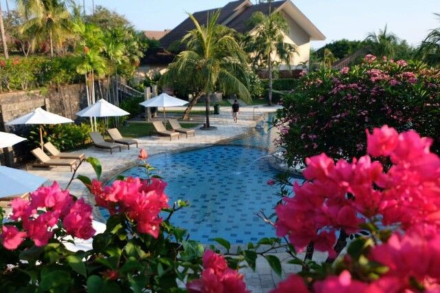 Grand Luley Manado Swimming Pool