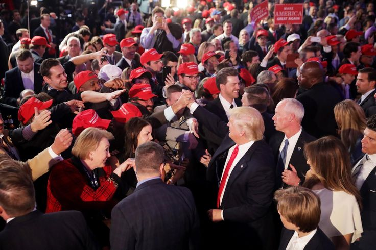 """Le gendre de Donald Trump a étéentendu par deux commissions d'enquête, lundi24 et mardi 25juillet. Il a admis avoir rencontré plusieurs Russes durant la campagne présidentielle, mais nie toute """"collusion"""" avec Moscou. Un énième rebondissement dans le """"scandale russe"""" qui plombe le mandat de Donald Trump depuis des mois."""