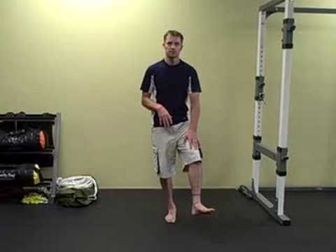 How to squat **VERY informative video about the mechanics of squatting**