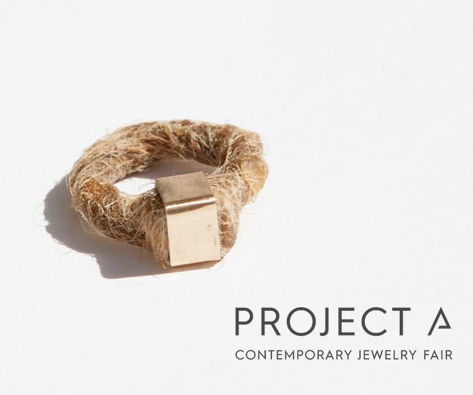 Mihaela Ivana for Project A III - JEWELY CONCEPT – Balm Ring The communion with nature stimulates in us the desire to be as close as possible to her, she awakens in us the need to be in permanent contact with her, as if in a fusion. She asks of us to allow her to offer us her benefits, and we are open to receive them. The ring is a balm for the skin of the wearer thanks to the beeswax and the essential oil it contains.