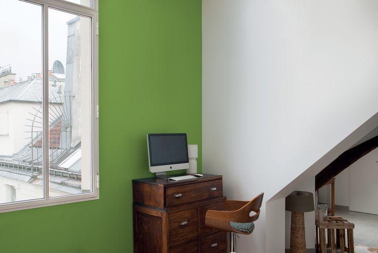 Greenery dans un appartement pour donner de l'optimisme et de la vitalité à votre pièce. #COY2017 #Pantone