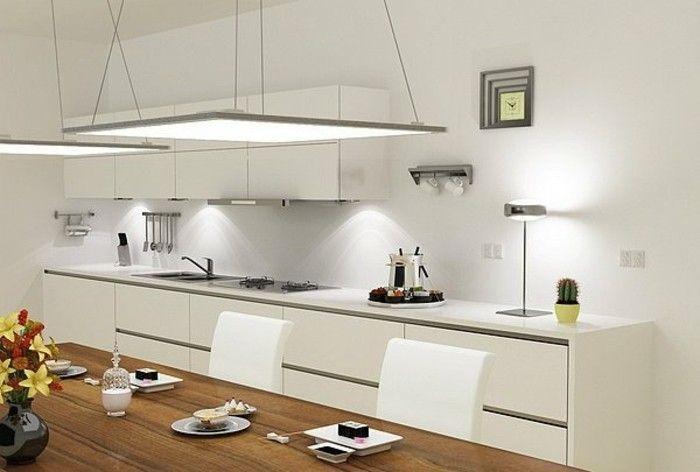 dalle faux plafond dans la cuisine, meubles blanches de cuisine