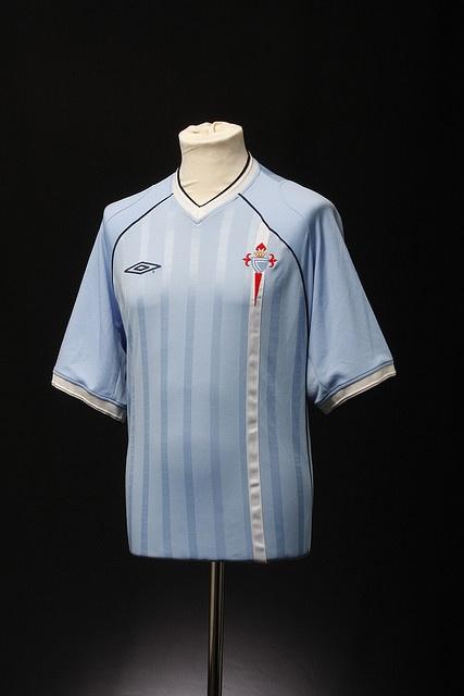 Celta Vigo Football Shirt (2001-03)