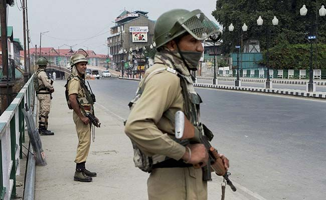 Ashoka University Writes Letter To Govt Demanding To Demilitarize Jammu & Kashmir; Reminds Pandit's Promise