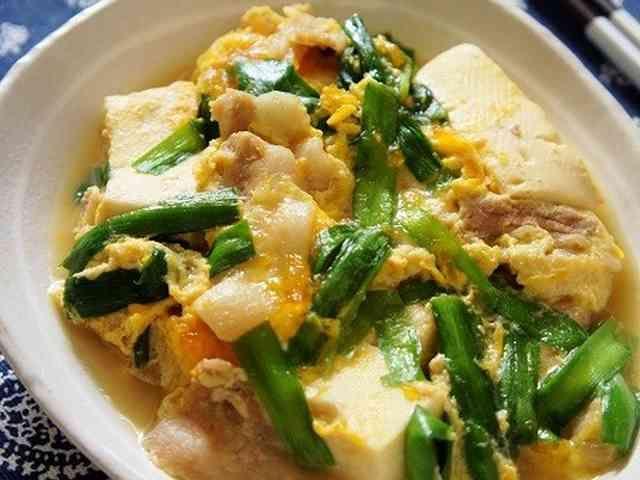 スタミナ満点!ニラ玉 肉豆腐の画像