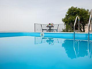 www.croatiatours.hr/+Low+Price+-+Garantie/+3+Schlafzimmer/6+2+Pers./+Ruhige+lage+++Ferienhaus in Kroatien von @homeaway! #vacation #rental #travel #homeaway