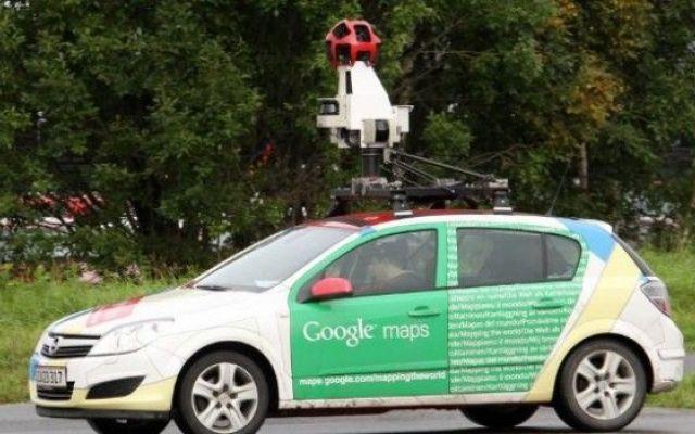 E' vero che le Google Cars ascoltano le reti wireless aperte? Sembra che le auto di Google non si limitino a tracciare con foto le strade percorse ma che si mettano anche a monitorare i dati delle reti wirless aperte individuate. E' vero? Si. A che scopo? Non s #privacy #google