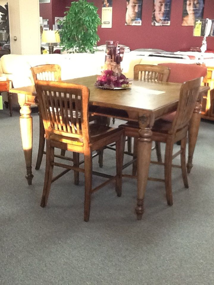 Broyhill high top table and 4 chairs. 1578 Dining room