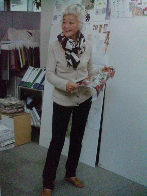 パリ在住のファッションデザイナー・島田順子さん(71歳)流行にながされない等身大のステキな大人の女性だと感心させられます。いっけん華やかな経歴に見えます