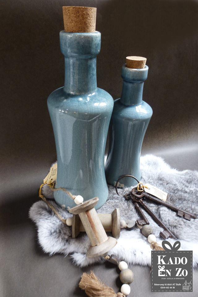 Helemaal hip deze mooie flessen, Kado en Zo heeft ze in verschillende soorten, kleuren en maten.