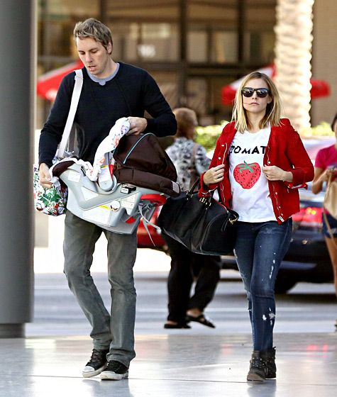 Kristen Bell and Dax Shepard took their 6-month-old daughter, Lincoln Bell Shepard, to a doctor in L.A.