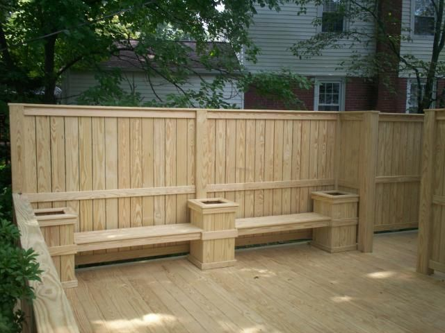Deck planter benches wood decks decks with benches for Privacy wall planter