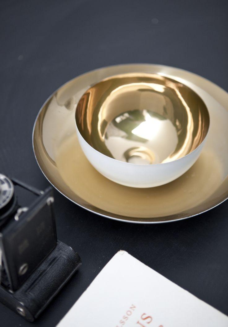 Gold and white bowls by Lisbeth Dahl Copenhagen. Spring/Summer 2014. #LisbethDahlCph #dustandsparkle #gold #white
